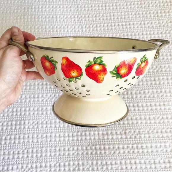 Vintage Kobe Colander Beige and Strawberries all around